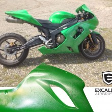 'Apple Green Ninja' Motorcycle designed and airbrushed by Ian Johnson (Once sprayed apple green, the whole motorcycle was customized with sections of silver marbleizer and an effect that looks like water droplets)